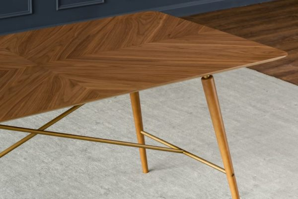Lily Dining Table with 4 Lily Chairs